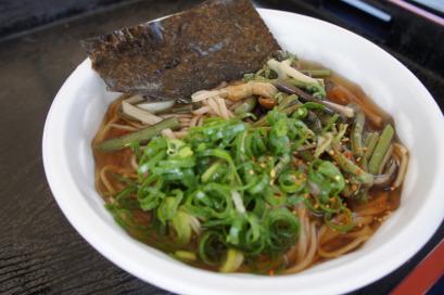出石そば『大門』の山菜そば300円でした!安いっ!