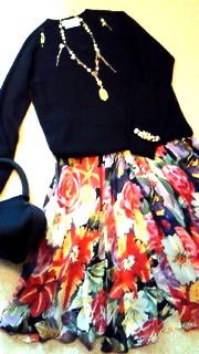 お雛様ネックレス&花柄スカート、ハート