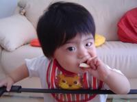 お菓子食べてるねん