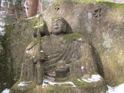 弘法様が爪で掘ったといわれている彫像