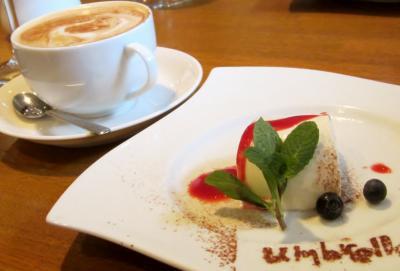 デザートとカフェカプチィーノ