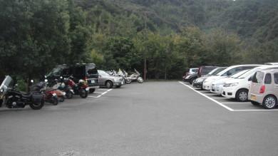 黒潮工房駐車場