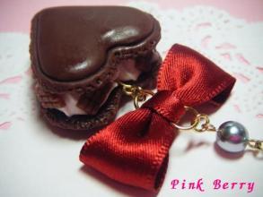 チョコハートマカロン&かじり板チョコ ストラップ リボンアップ