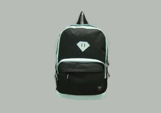 DiamondSupplyCo_Backpack_2011_convert_20110422223823.jpg