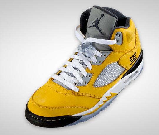 air-jordan-5-retro-tokyo-23-sneakers-02.jpg
