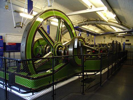 09タワーブリッジ エンジンルーム