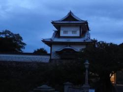 朝の金沢城2