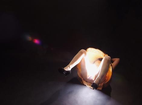 お股が光る - ランプドレス