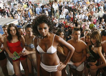 情熱の国ブラジルで「下着デー」