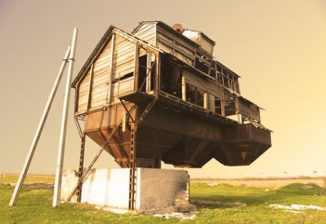 建っているのが不思議なお家「Floating Castle」