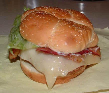 ハンバーガーのメニューと実物を見比べてみた