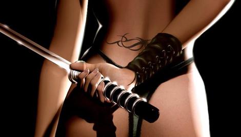 武器を持った女性の写真をコレクトしているタンブラー