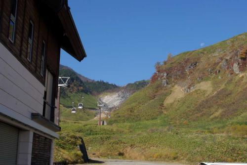 月とゴンドラと山2008秋