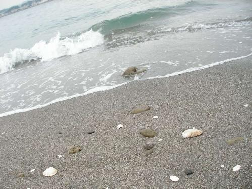 砂浜にスキと書くのを忘れたネ
