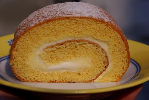 パティスリー・アローム 芝山ロールケーキ