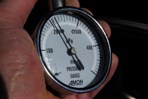AIR PRESSURE GAUGE 200kPa