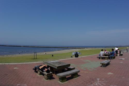 K幕張の海に到着 稲毛海浜公園 海は楽しいなあ