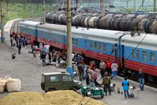 080526シベリア鉄道ホームにて