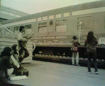 080528シベリア鉄道窓拭き