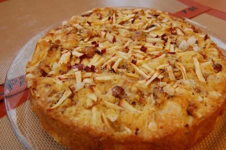 リンゴとクルミのケーキ