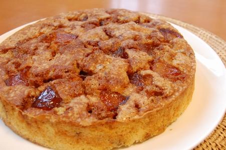 キャラメルリンゴとクルミのケーキ