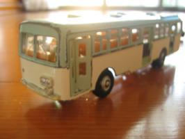 車 012