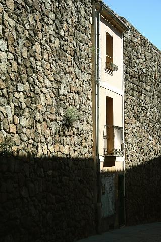 城壁の一部になった建物(プラセンシア)