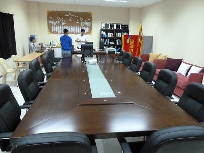 SMEという学校の新しい校長室