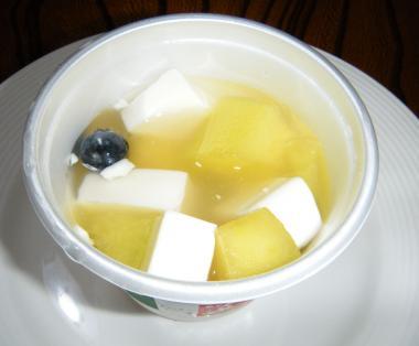 メロンの杏仁豆腐