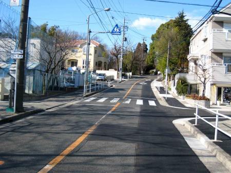 八事神社途中の坂道