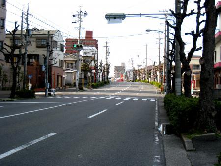 春日井駅前の坂道