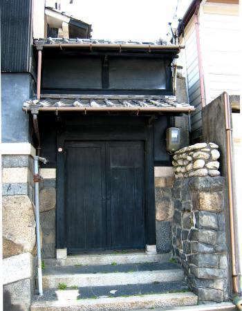 円頓寺そばの倉庫風