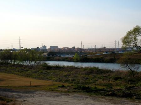 対岸から見た洗堰