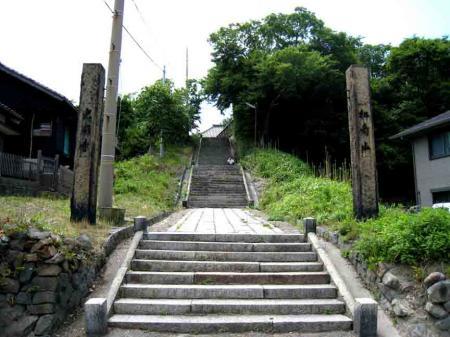 神社の階段