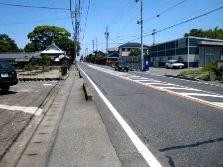 名鉄春日井駅近くの坂道