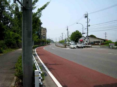 吉根橋付近の坂道