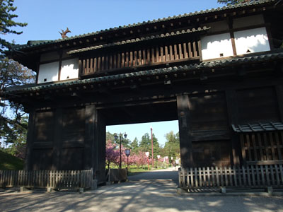 弘前公園の東門