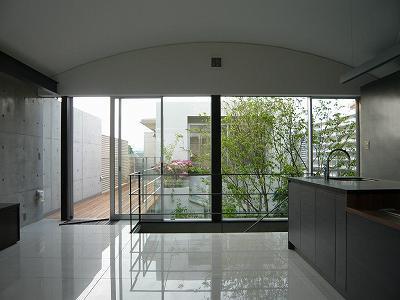 SH-広間と南側中庭