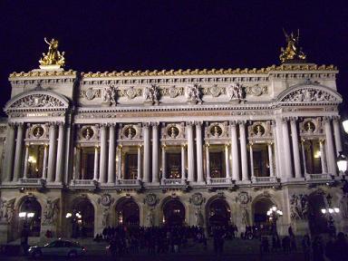 夜のガルニエ宮
