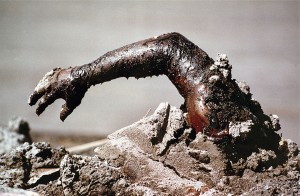 1986年 『コロンビアのネバドデルルイス火山の爆発』 (コロンビア)