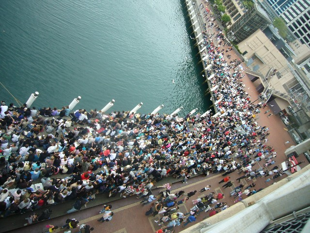 25th anniv crowd from bridge