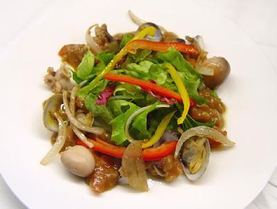 イイダコのマリネとアサリのサラダ仕立て トマトとバルサミコ酢のヴィネグレット