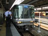 新快速運用の223系2000番台。