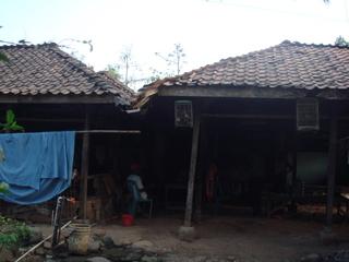 Wana Sari family2