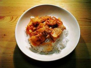 夏のこくうま豚キムチ丼001