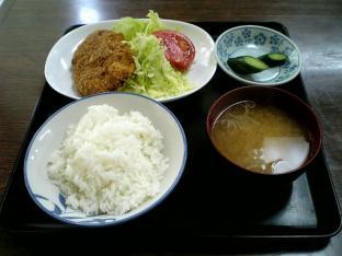 山田ホームレストラン本日の定食Bビーフコロッケ002