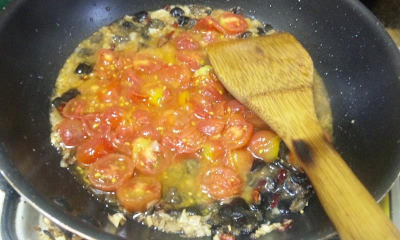 トマトとブラオリ入れる