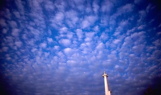 灯台と雲02_1