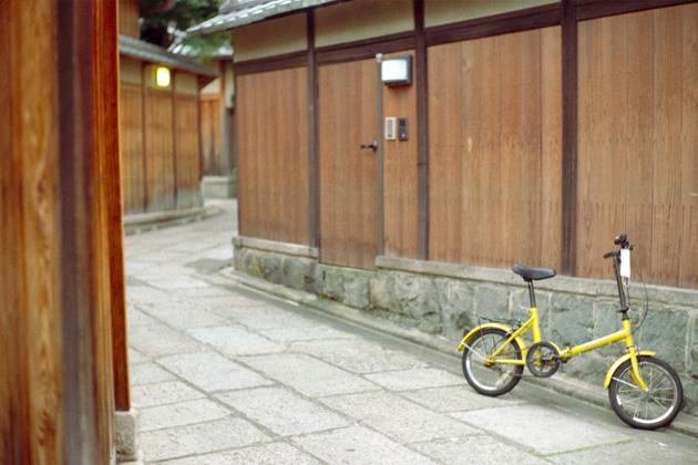 黄色の自転車