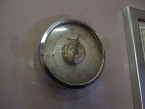 JNRロゴの入った温度計